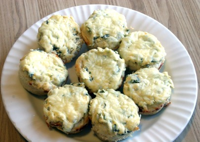 Mini Spinach Dip Breadbowls