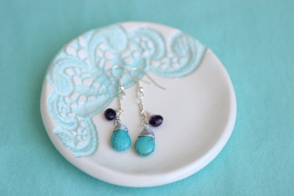 clay jewelry bowl with turquoise and amethyst briolette earrings
