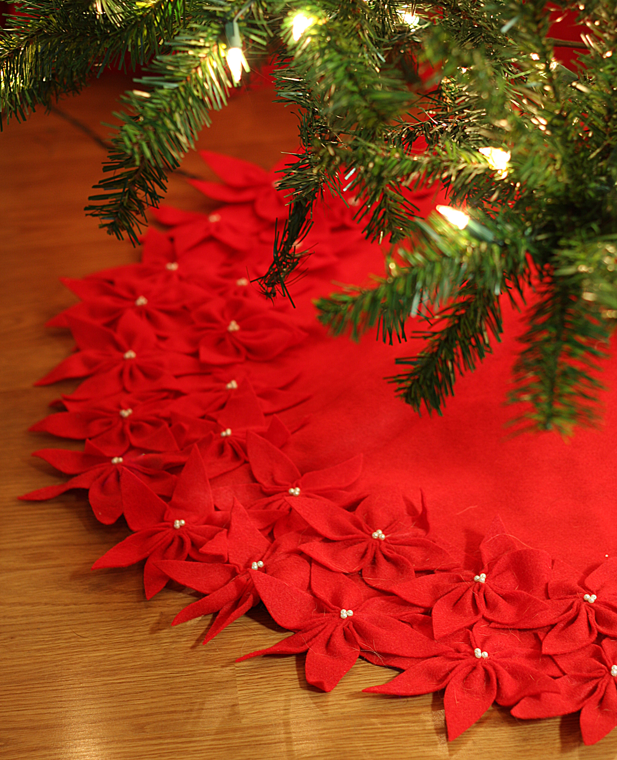 Beautiful Diy Felt Flower Tree Skirt
